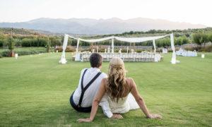 Πόσο έχει πληγεί ο γαμήλιος τουρισμός στο νησί - Συνέντευξη