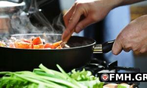 Tips για να γλιτώσετε θερμίδες στο μαγείρεμα