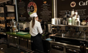 Οι εισπράξεις από τον ΕΦΚ στον καφέ δεν κάμφθηκαν από τον κορονοϊό
