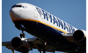 Ryanair: Ξεκινά πάλι τις πτήσεις από Αθήνα
