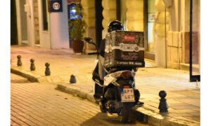 Κορονοϊός: Τέλος το delivery σε Χανιά και Ηράκλειο μετά τις 12:00 το βράδυ
