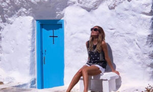 «My Greece»: Η Δέσποινα Βανδή επιστρέφει στο OPEN και ξεκινά τα ταξίδια της από τη Σκύρο
