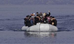 Χανιά: Στο κλειστό κολυμβητήριο Ακρωτηρίου μεταφέρθηκαν 53 μετανάστες