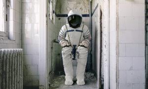 Η NASA στέλνει τουαλέτα στον Διεθνή Διαστημικό Σταθμό που κοστίζει 23 εκατ. δολάρια (pics & vid)