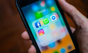 Το Facebook ενώνει το Instagram, το Messenger και το WhatsApp