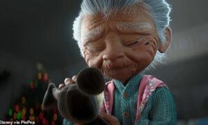 Χριστούγεννα: Συγκινητική η φετινή διαφήμιση της Disney