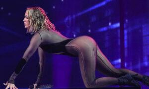 Τζένιφερ Λόπεζ: Πιο προκλητική και σέξι από ποτέ στα βραβεία ΑΜΑ – Βίντεο