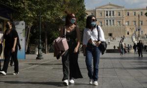 Κικίλιας: Θα κυκλοφορούμε με μάσκα μέχρι την Άνοιξη του 2021