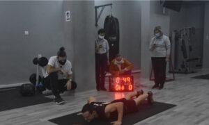 Έλληνας μπήκε στα ρεκόρ Γκίνες για τα περισσότερα push ups σε 1 λεπτό (vid)