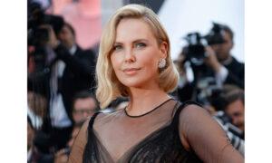 Η Σαρλίζ Θερόν θέλει να πρωταγωνιστήσει σε λεσβιακή εκδοχή του Die Hard... μετά από πρόταση φαν της