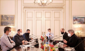 Μητσοτάκης: Η εστίαση απαλλάσσεται πλήρως από την καταβολή ενοικίων και τον Μάρτιο