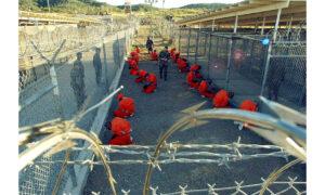 Ο Joe Biden θέλει να κλείσει το Guantanamo