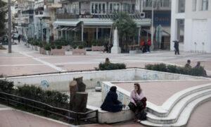 Τα τρελά του lockdown: Ο δρόμος στην Θεσσαλονίκη που η μία πλευρά έχει ανοιχτά μαγαζιά και η άλλη κλειστά (vid)