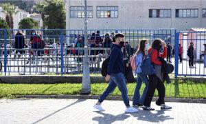 Lockdown: Χαλαρώνουν τα μέτρα από αυτό το Σάββατο - Σκέψεις για άνοιγμα σχολείων στις 8 Απριλίου