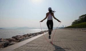 5 ασκήσεις που θα σε βοηθήσουν να κάψεις φουλ θερμίδες, αν δεν είσαι φαν του τρεξίματος!