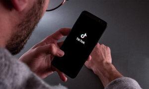 TikTok: Κινδυνεύει με «καμπάνα» δισεκατομμυρίων - Συλλέγει παράνομα τα δεδομένα ανηλίκων;