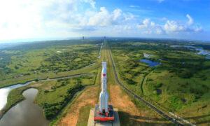 Τι πραγματικά ισχύει με τον κινέζικο πύραυλο που θα πέσει στη Γη