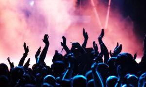 Άρση lockdown: Οι πιθανές ημερομηνίες για να αρχίσουν θέατρα, θερινά σινεμά και συναυλίες