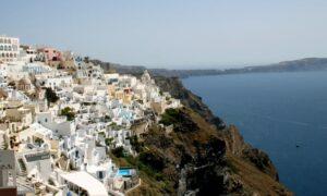 Independent: Πέντε ελληνικά νησιά μπαίνουν στην «πράσινη λίστα» της Βρετανίας - O Tζόνσον ανακοινώνει αλλαγές