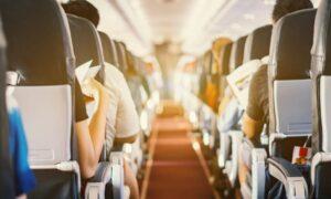 Κόλπο: Πώς θα έχεις τρεις θέσεις αντί για δύο στο αεροπλάνο, χωρίς να πληρώσεις παραπάνω